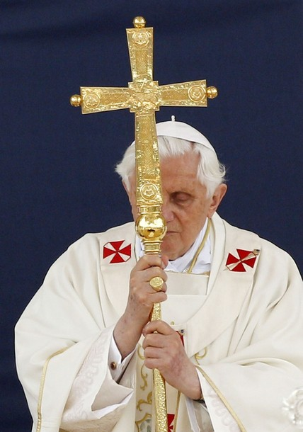 Papst Benedikt XVI Ferula